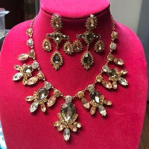 Jewelry - 2 pc Statement necklace set w/ drop earrings - new